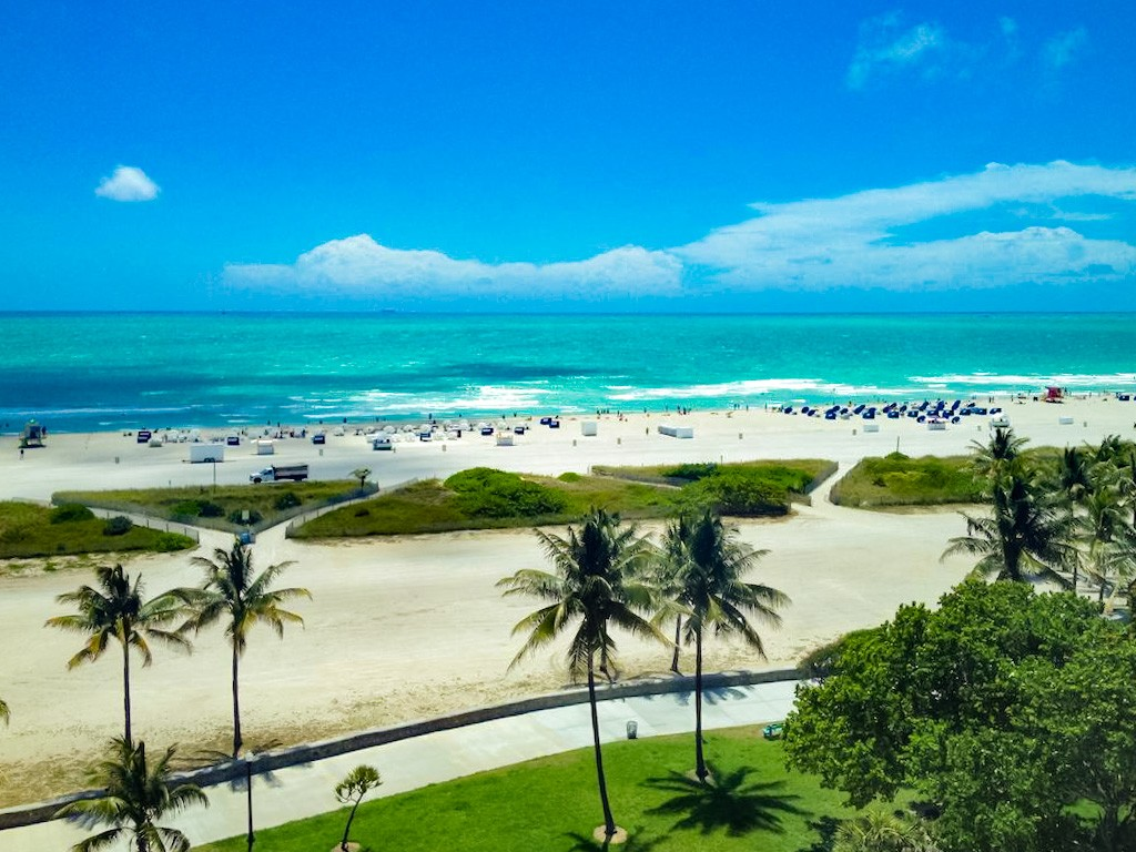 Embrace the vibrancy of life with a holiday home in Miami