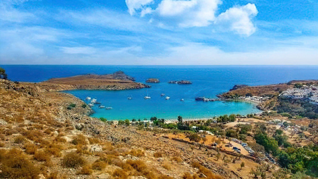Why choose Greece for your holiday-home location?